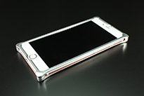 iPhone 6 Plus/6s Plus用 ワイバン スマートフォンケース・シルバー装着