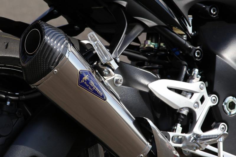 スリップオンタイプチタンサイレンサー装着車両